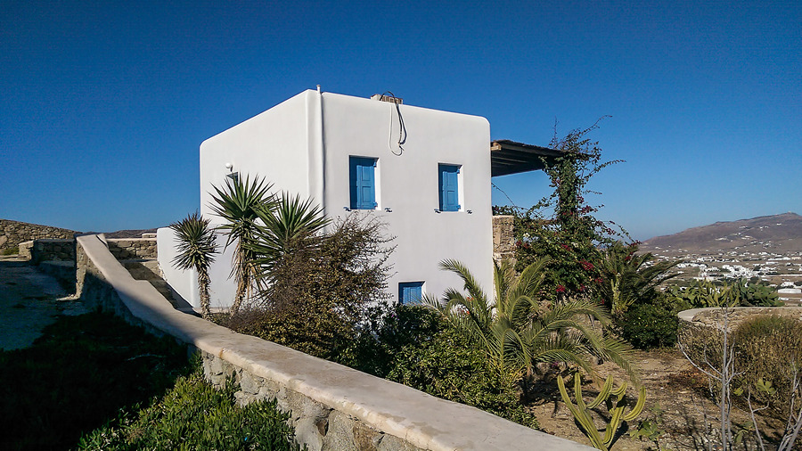 House for sale in Mykonos with great potential