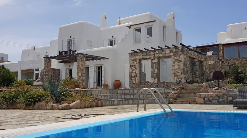 Apartment for sale in Mykonos with panoramic sea views