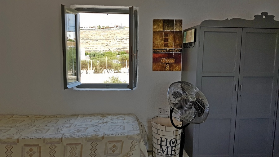 Seaside apartment with nice views next to Ornos – DR11484