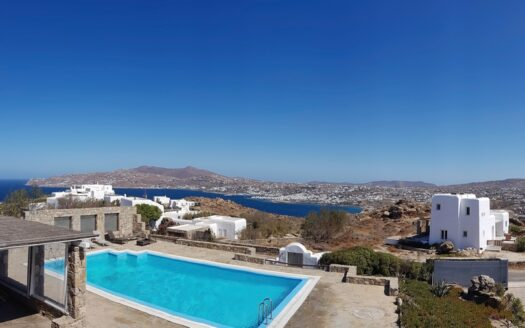 Elegant house with panoramic views in Mykonos